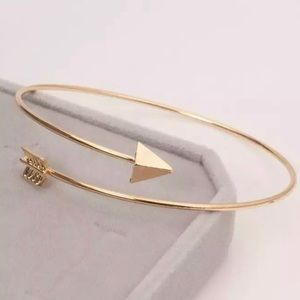 Gold Filled Arrow Bracelet